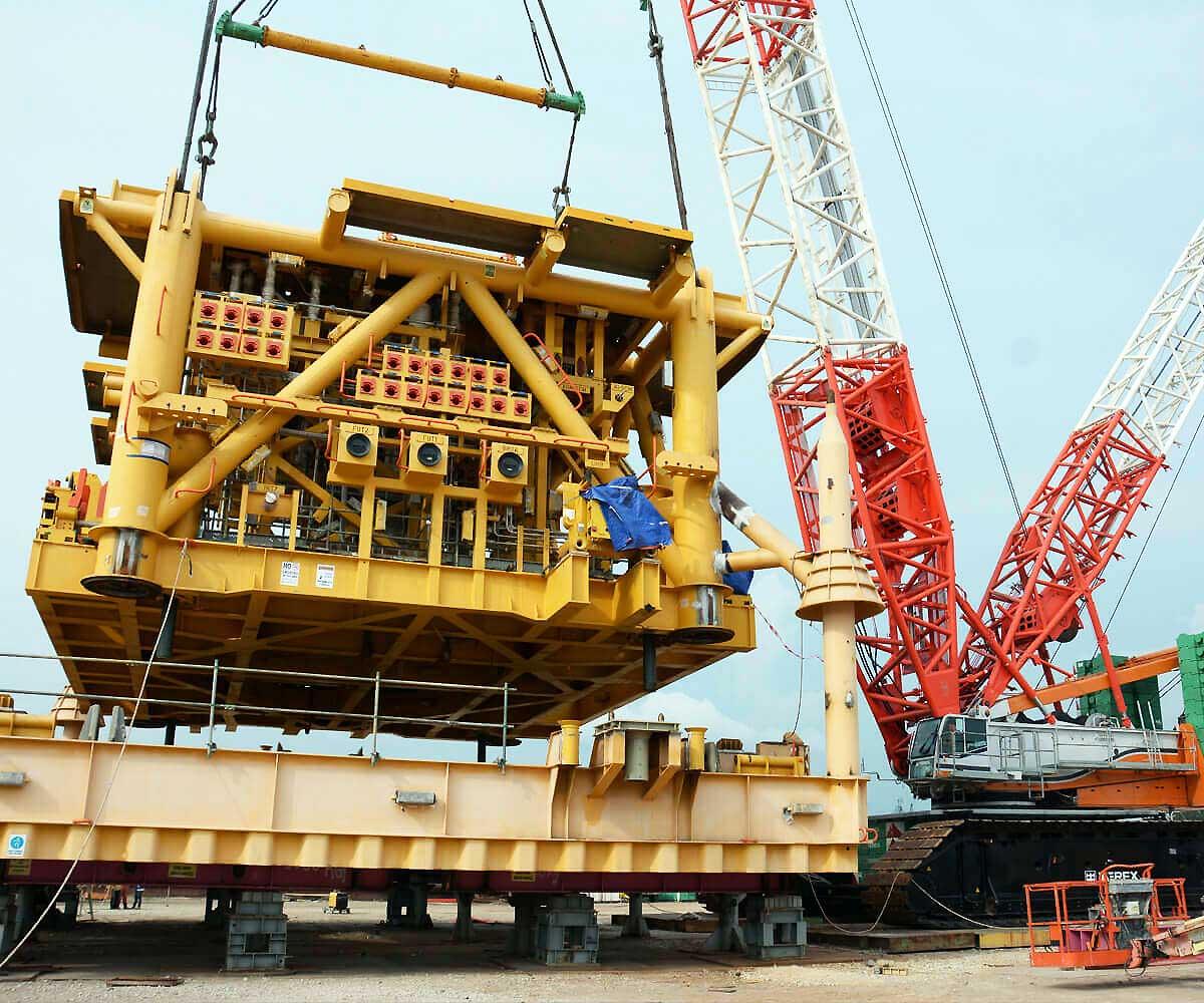 Tat Hong Holdings Ltd - Crane Rental / Hire Co  Largest in