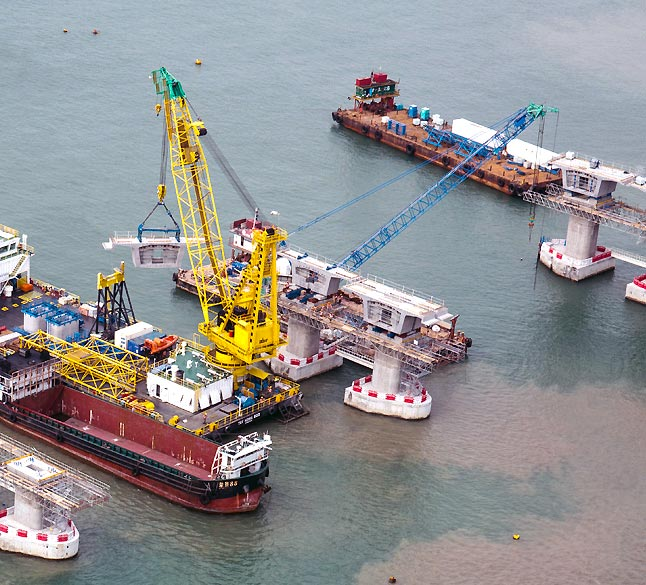 Crane barge services for HZMB project involving more than 40 unit